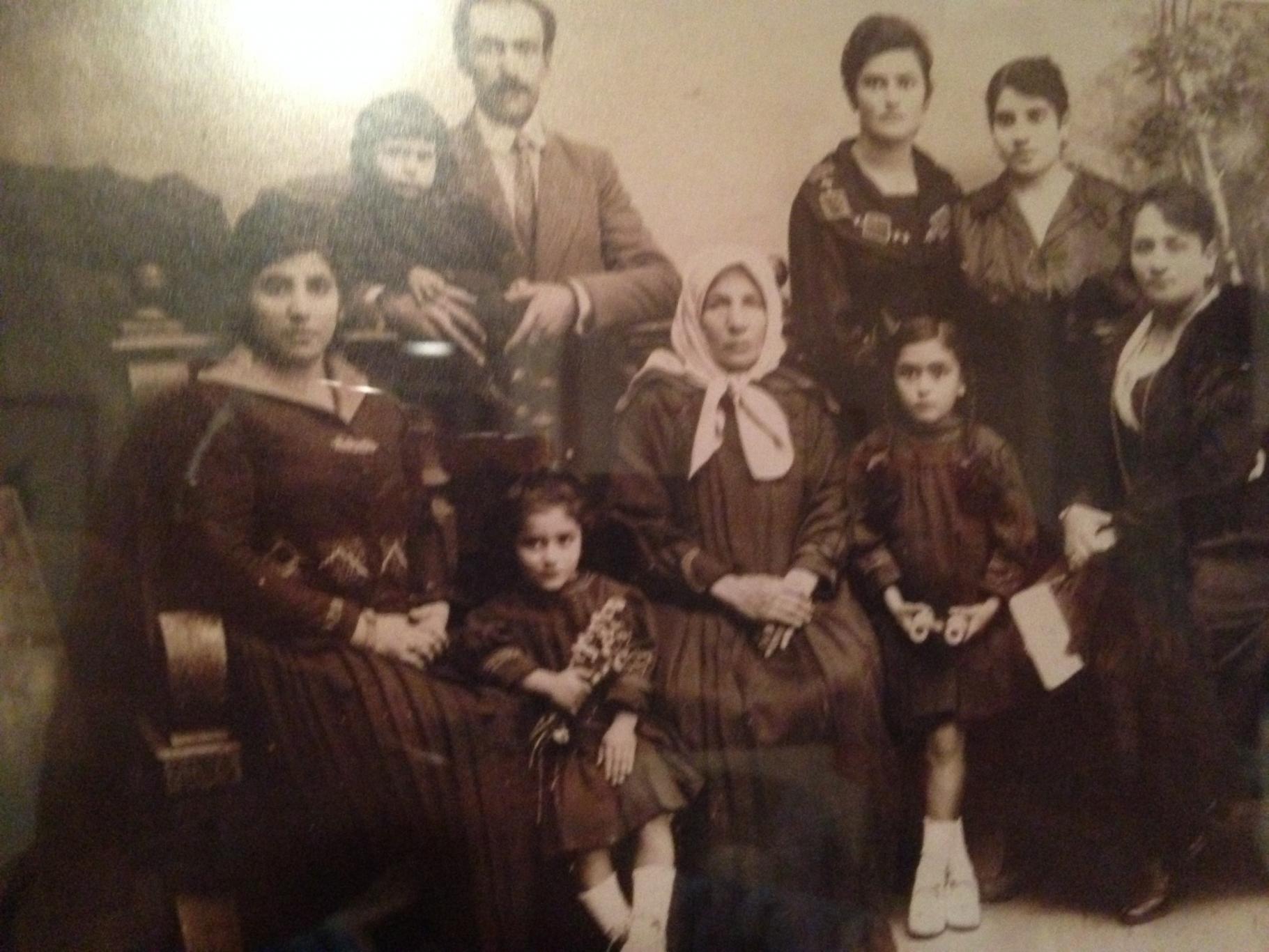 מרחב החיים והמתים בקונסטלציה המשפחתית