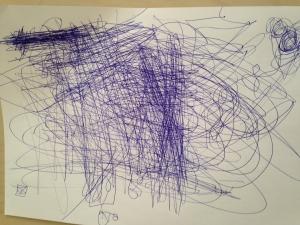 ילד מביע את עצמו בתרפיה באומנות